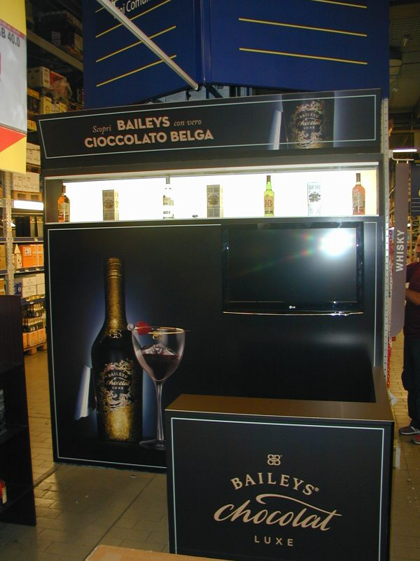 Stand baileys 39 nel centro commerciale roma est ar co for Arredamento roma est